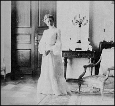 A description of grand duchess of russia as a girl with a very sharp sense of humor