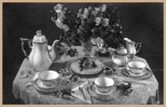 Afternoon tea guide for edwardian servants for Edwardian table setting